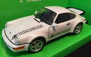 Welly 1:24 Porsche 964 Turbo (white) s logem AHLBORN - 1