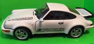 Welly 1:24 Porsche 964 Turbo (white) s logem AHLBORN - 2